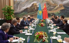 The Head of State met with Chairman of the Standing Committee of the National People's Congress Li Zhanshu